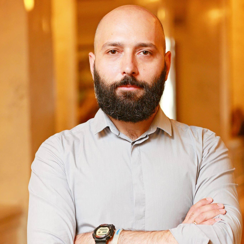 Артем Романюков